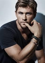 Chris Hemsworth - Justin McIntyre